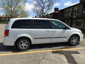 2012 Dodge Grand Caravan SE Minivan  Mint!!! Low kms!!!