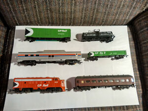 BACHMANN  LOCOMOTIVES & CARS FOR SALE