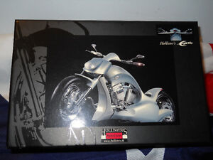 1/12 Hollisters Excite Motorcycle