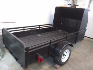 """Remorque (trailer) 4' 2"""" x 9', un essieu avec rampe d'accès"""