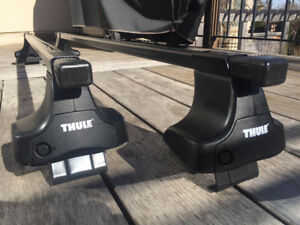 THULE Complete Roof Rack Set for Toyota Camry 2007-11, 12-