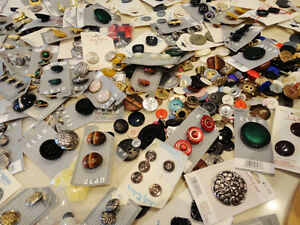 Selling the Motherload of Buttons! Over 800 NEW Buttons Kitchener / Waterloo Kitchener Area image 6