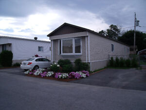 Beautiful 3 Bedrooms Mobile Home in Gatineau Reduced price