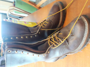 White men's cowboy boots brand nee