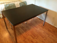 Table Ikea en aluminium