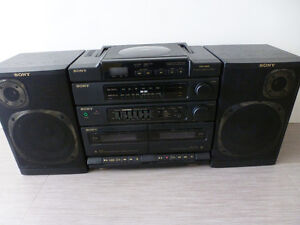 Sony CFD-460 Ghetto Blaster CD and Casstte Player WORKS!!