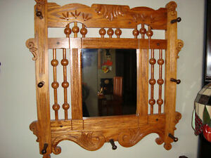 EARLY 1900'S OAK HALLWAY MIRROR WITH HAT PEGS