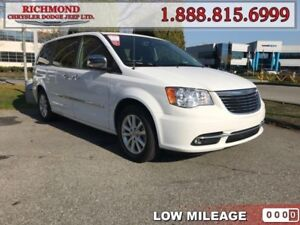 2015 Chrysler Town  Country Limited  - Leather Seats