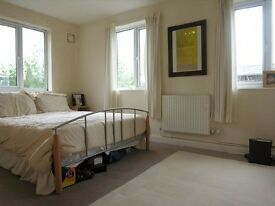 2 bedroom flat in SW19 Wimbledon