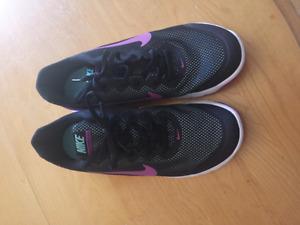 Women's Nike Running Shoes -size 10