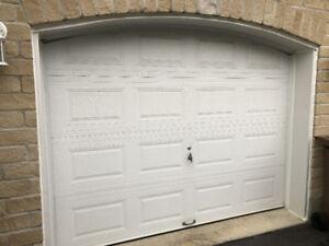 ATTENTION : Porte de Garage 9 x 7 Disponible demain apm