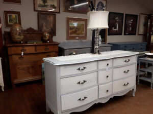 BEAUTIFUL PAINTED BOW FRONT DRESSER