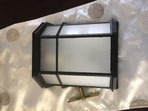 Outdoor wall mount light