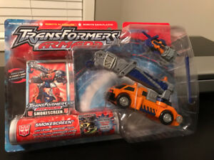 COLLECTABLE - TRANSFORMER - 2002 HASBRO -NEVER OPENED