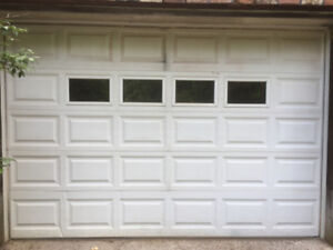 INSULATED GARAGE DOOR 9 FT WIDE