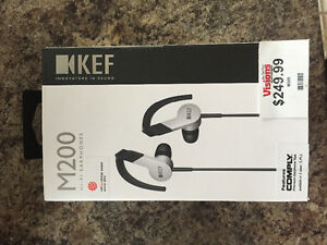 M200 headphones