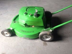 21 inch lawn boy 2 stroke lawn mower Kawartha Lakes Peterborough Area image 1