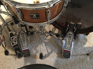 DW 9000 Double Kick Pedals (Right foot main) with hard case