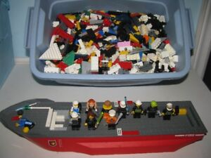 6 POUNDS LEGO PARTS PIECES  PLUS 10 MINIFIGS AND THE BOAT