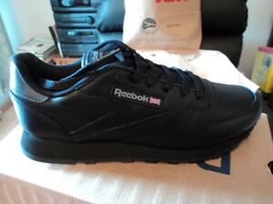 SOULIERS DE COURSE NEUFS EN CUIR NOIR REEBOK/LEATHER SHOES