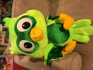 Various stuffed animal toys