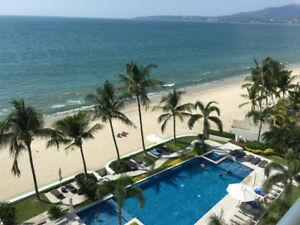 Bucerias-Mexico : Gorgeous Beachfront condo on 5th floor