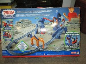 Thomas & Friends Trackmaster Risky Rails Bridge Drop Motorized P