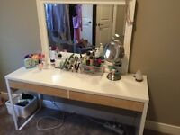 IKEA desk (makeup desk) does NOT include mirror