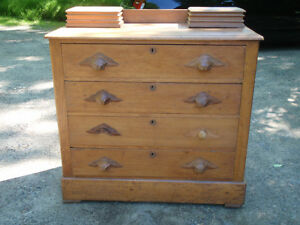 Antique Quebec Pine Chest of Drawers in Great Condition $425