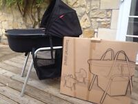 Phil and Teds peanut carrycot and bassinet stand