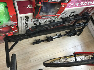 Rack  pour 4 vélo road runner ,special $300