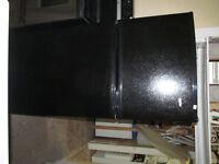 Réfrigérateur noir-Livraison:essence seulement