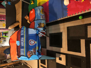 Paw patrol look out house with tunnel