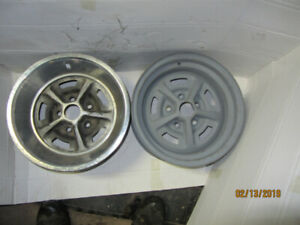 Two Magnum 500 style rally wheels for Ford