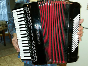 Accordion for sale in North York $2000 paid over $5000
