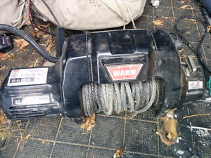 Warn Winch 9500 lb CTI synthetic rope,never used for recovery.