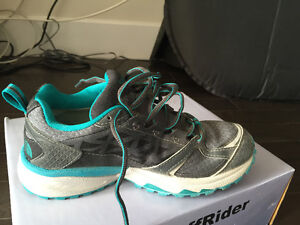 THE NORTH FACE GORETEX SHOES SIZE6 NEW
