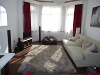 Double bedroom in large three bed flat with parking. Two minutes from Finchley Central station.