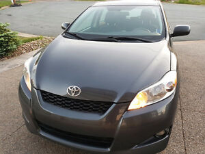 BEST CAR EVER! 2009 Toyota Matrix Hatchback is all you need!