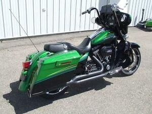 2011 Harley-Davidson FLHXSE2 - CVO Street Glide