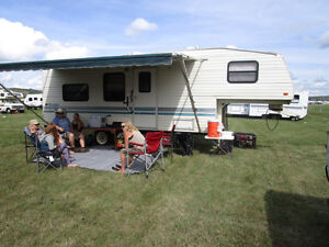 Nice 5th Wheel prowler for sale 27ft