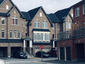 Town house  for rent in Ajax off Salem rd
