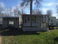 Zinger 26 ft. 2008 (ZT-260-RL) Mint condition on camping lot