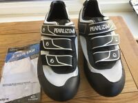 Road cycling shoes top quality Pearl Izumi size 9 new