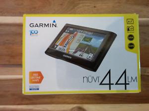 GPS - Garmin Nuvi 44LM