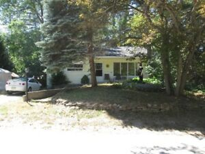 Bungalow for Rent in Wasaga Beach - Steps to Beach!