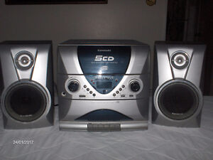 AM/FM, CD, Cassette Player/Recorder with Speakers - |Reduced!