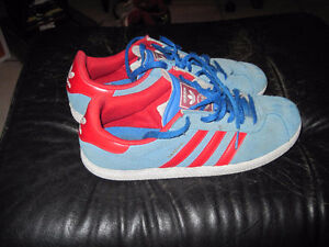 Vintage Retro Adidas Classic Blue and Red Gazelle Shoes