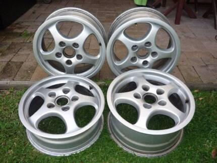 Genuine Porsche Cup 1 wheels staggered set.