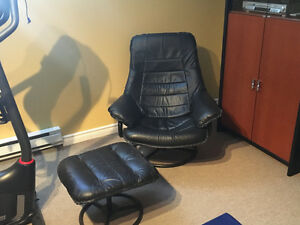 Reclining, Comfortable Chair with Ottoman